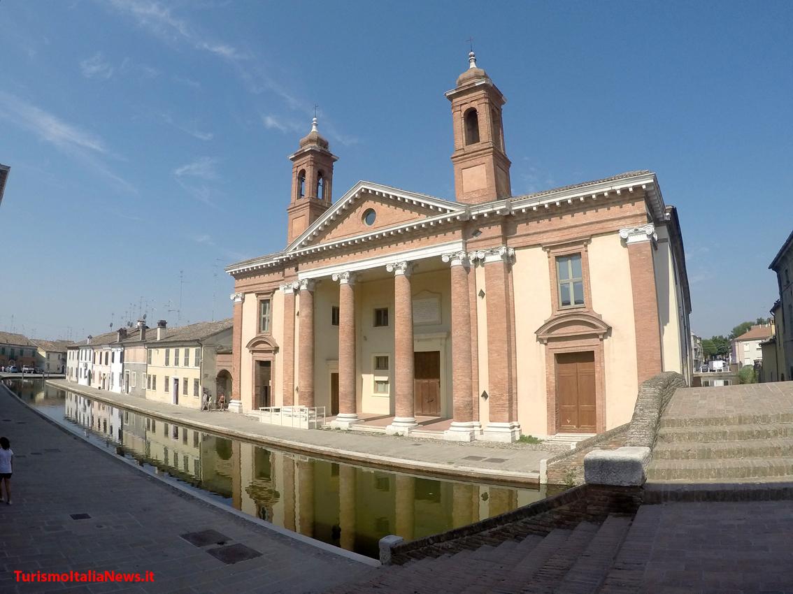 http://www.turismoitalianews.it/images/stories/EmiliaRomagna_deltaPo/Comacchio5.JPG