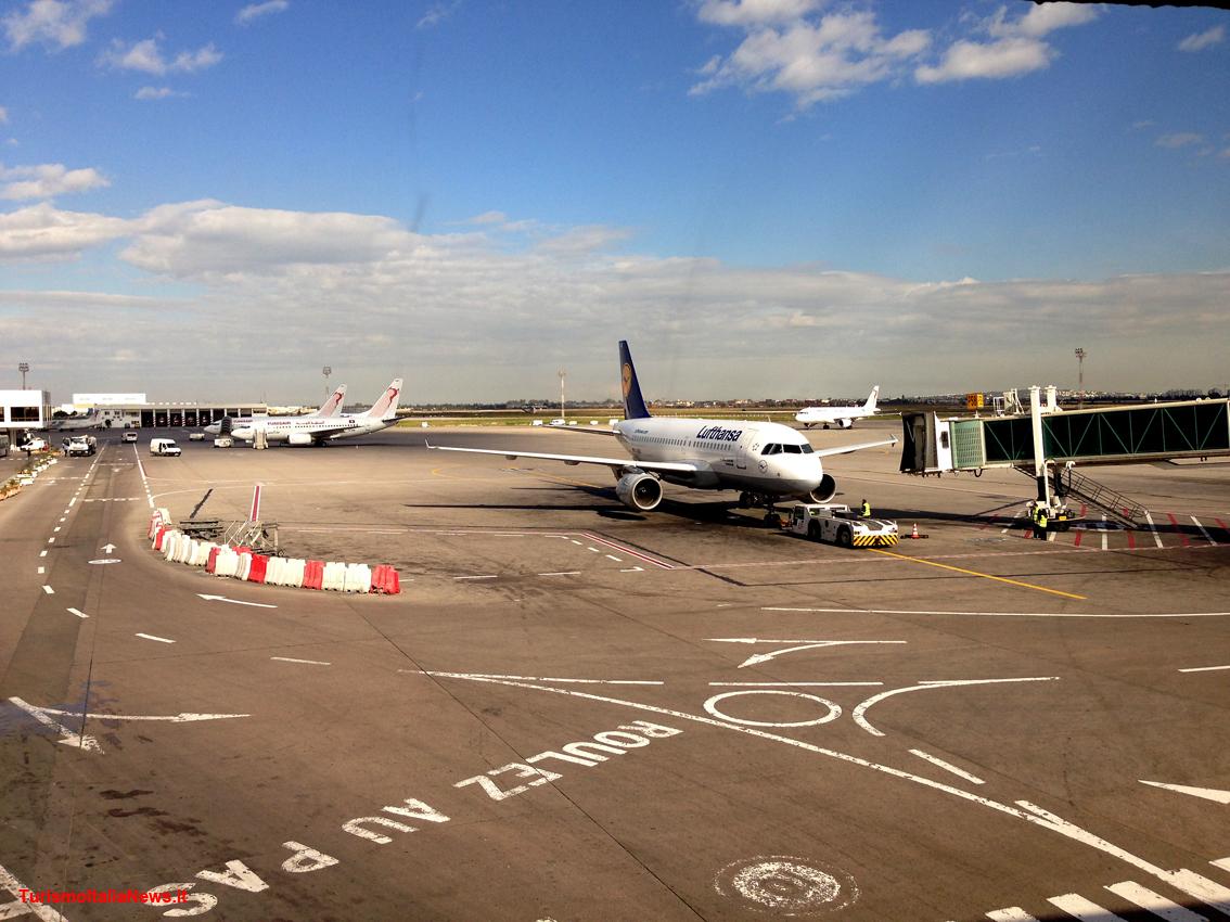 Aeroporto Brindisi : Servizio aeroporto u eurotaxi puglia u servizio taxi e navetta