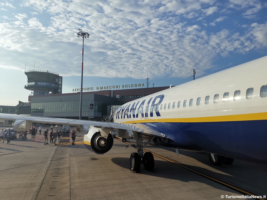 http://www.turismoitalianews.it/images/stories/compagnie/Ryanair15.jpg