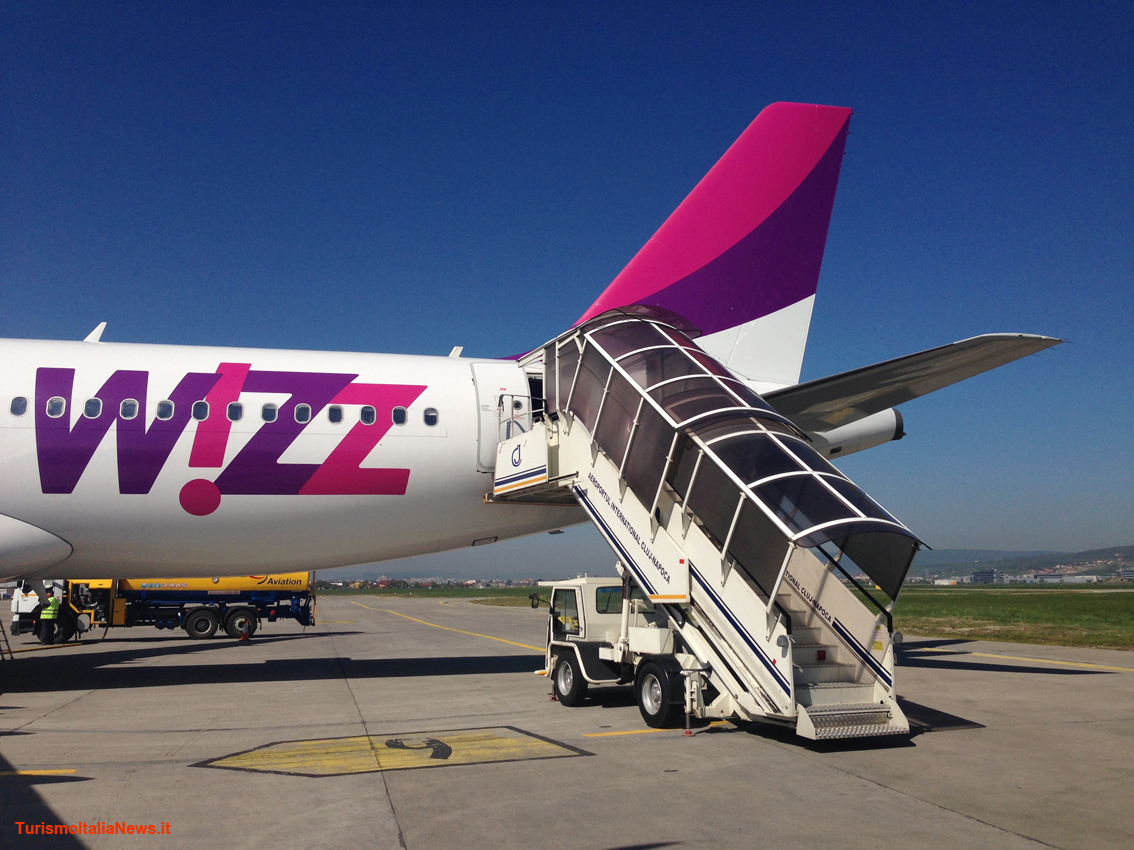 http://www.turismoitalianews.it/images/stories/compagnie/WizzAir3.jpg