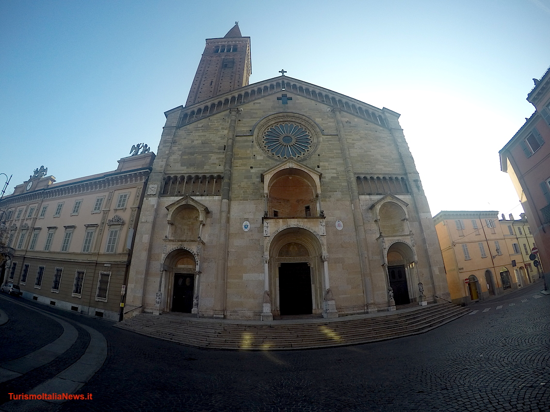 images/stories/emiliaromagna/Piacenza_Cattedrale01.jpg