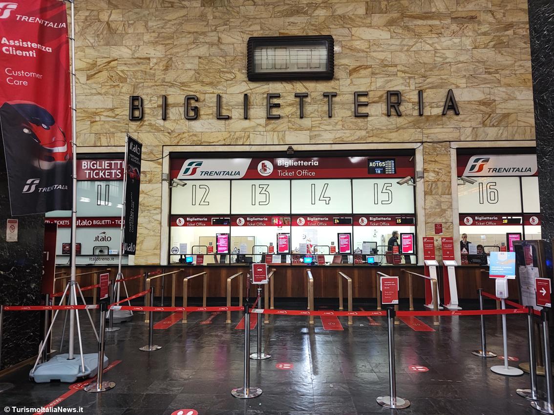 http://www.turismoitalianews.it/images/stories/ferrovie/FirenzeStazione2.JPG