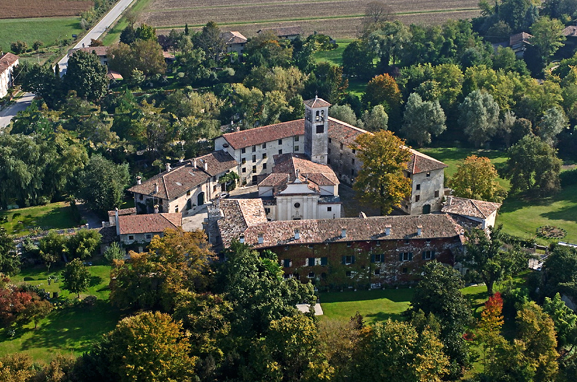 http://www.turismoitalianews.it/images/stories/friuli/StrassoldoCastello01.jpg