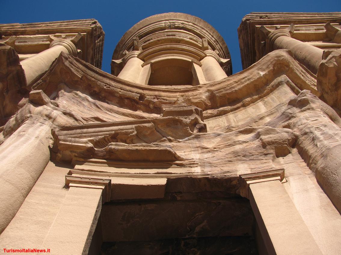 http://www.turismoitalianews.it/images/stories/giordania_Petra/PetraGiordania24.jpg