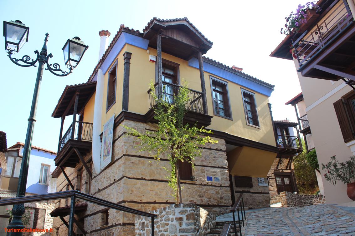 Grecia tra mitologia e architettura ecco arnea l antico for Architettura case