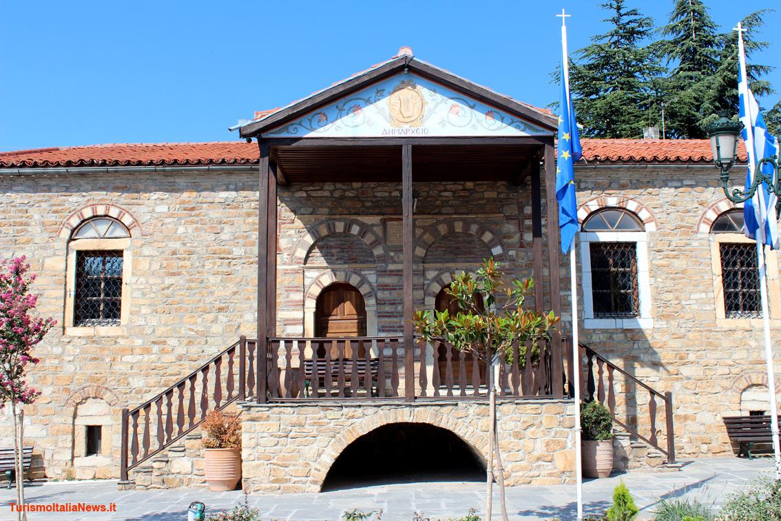 Grecia tra mitologia e architettura ecco arnea l antico for Case architettura
