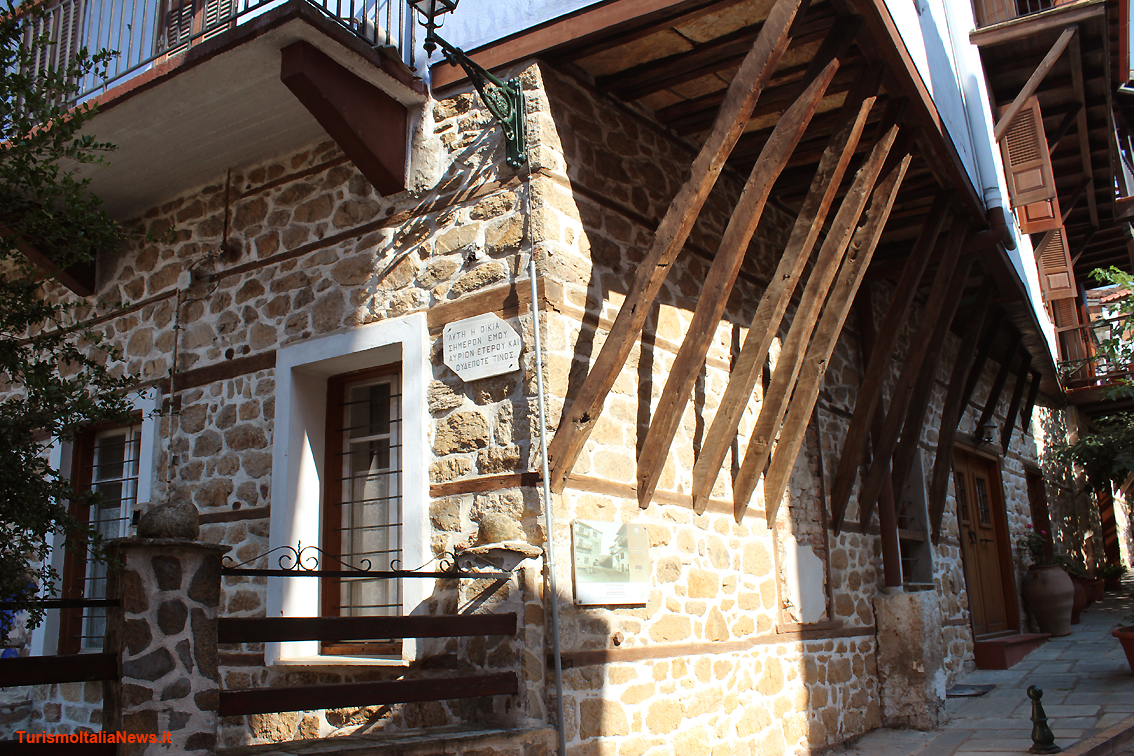 Case In Pietra Antiche : Montenegro godinje villaggio di montagna sopra il lago di scutari