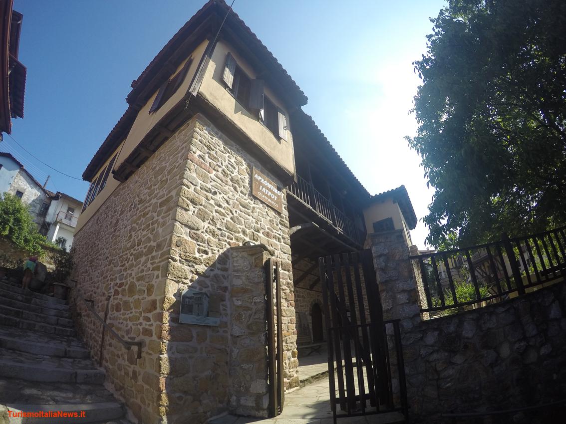 Case In Pietra Antiche : Pietre antiche case rurali in piemonte italia settentrionale foto