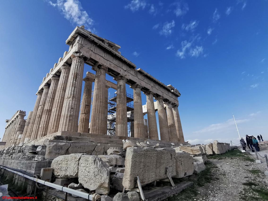 http://www.turismoitalianews.it/images/stories/grecia/Atene_Acropoli01_Partenone.jpg