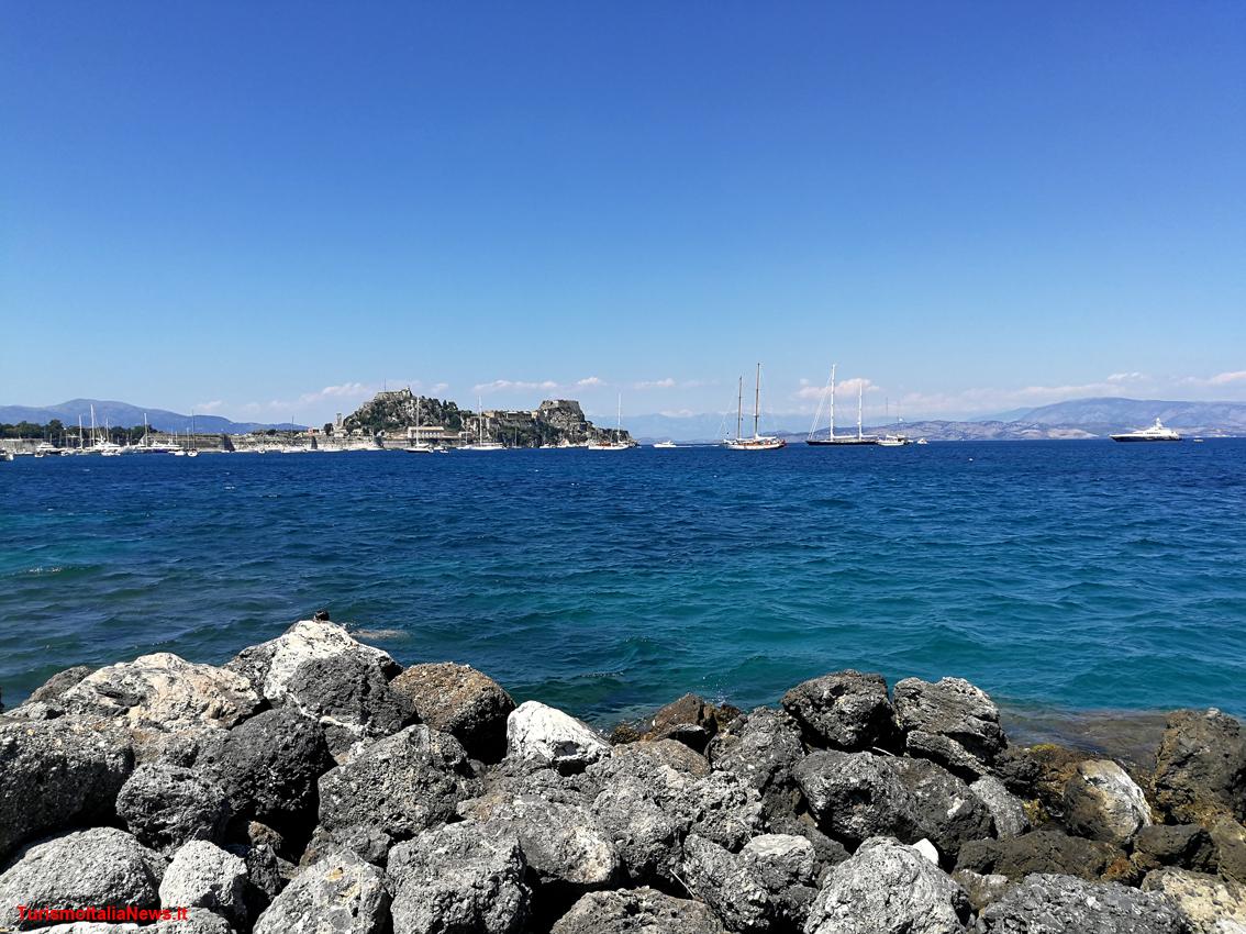 http://www.turismoitalianews.it/images/stories/grecia/Corfu_Citta01.jpg