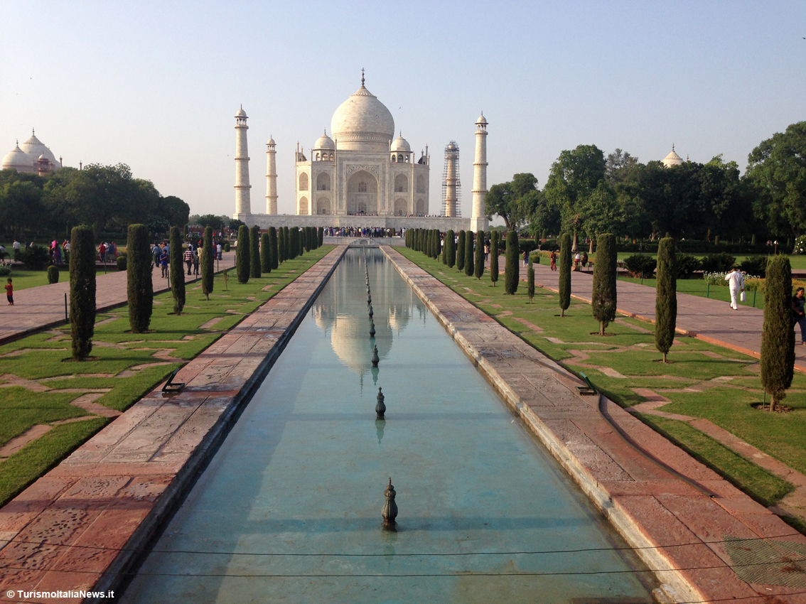 images/stories/india/Agra_TajMahal01.jpg