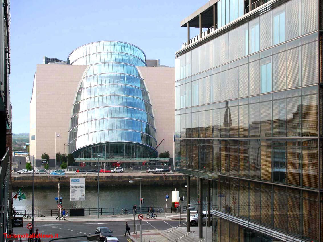 Il fascino dell architettura moderna di dublino c 39 anche for Architettura moderna londra