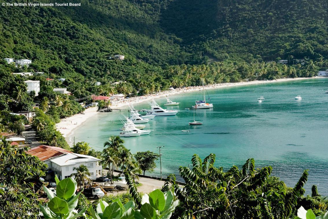 http://www.turismoitalianews.it/images/stories/isoleVerginiBritanniche/Tortola_CaneGardenBay_PhBritishVirginIslandsTouristBoard.jpg