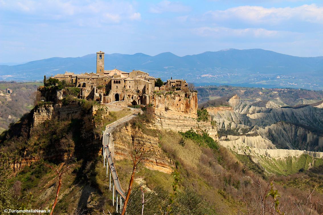 http://www.turismoitalianews.it/images/stories/lazio/CivitaDiBagnoregio1VT.jpg