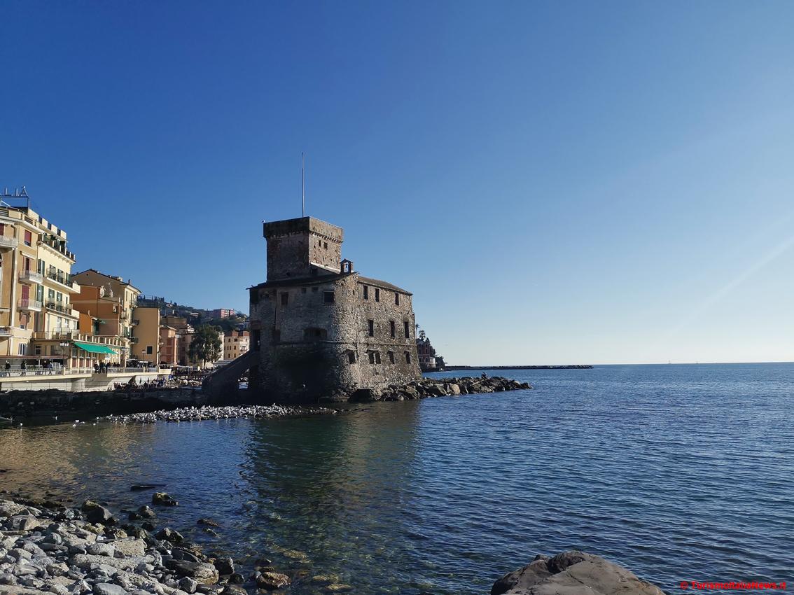 http://www.turismoitalianews.it/images/stories/liguria/Rapallo1.jpg