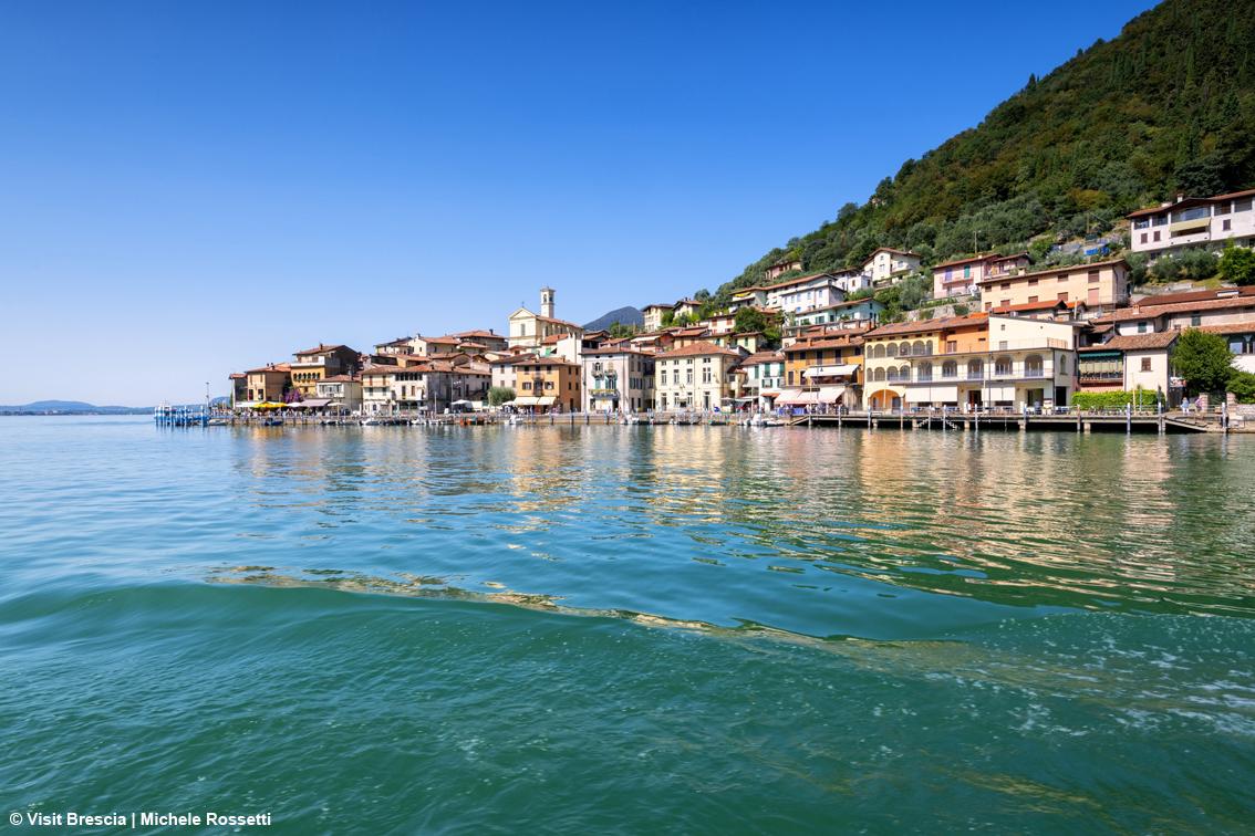 http://www.turismoitalianews.it/images/stories/lombardia/Brescia_LagodIseo_MonteIsola.jpg