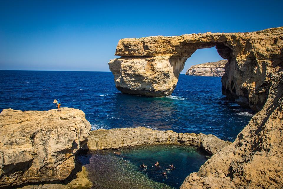 Malta la costa frastagliata le grotte e i tunnel sono regali che la natura ha creato per il - Agenzia immobiliare a malta ...
