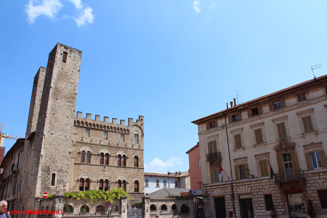 http://www.turismoitalianews.it/images/stories/marche/AscoliPiceno2Dim1134x756.jpg