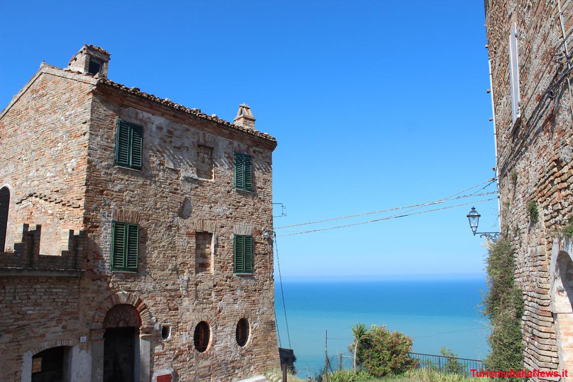 http://www.turismoitalianews.it/images/stories/marche/Grottammare3dim1134x756.jpg