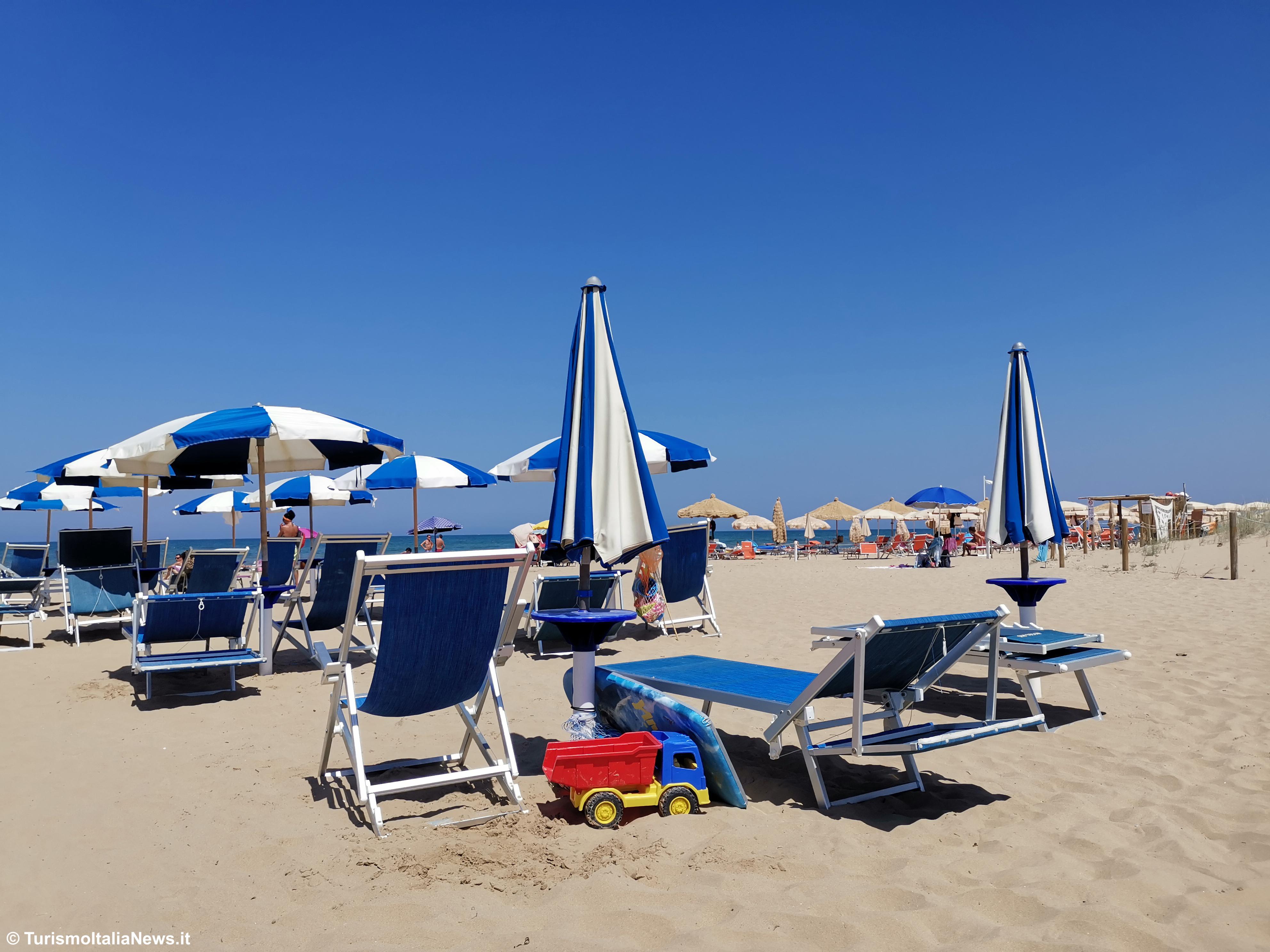 http://www.turismoitalianews.it/images/stories/mare/RivieraMareAdriatico3.jpg