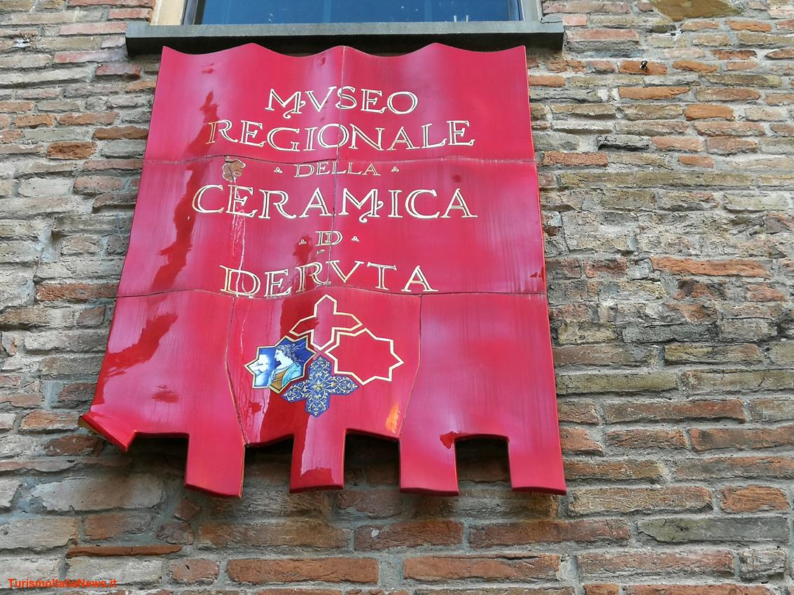 Museo Della Ceramica Di Deruta.Umbria Deruta Si Da Lustro La Preziosa Ceramica Da Secoli