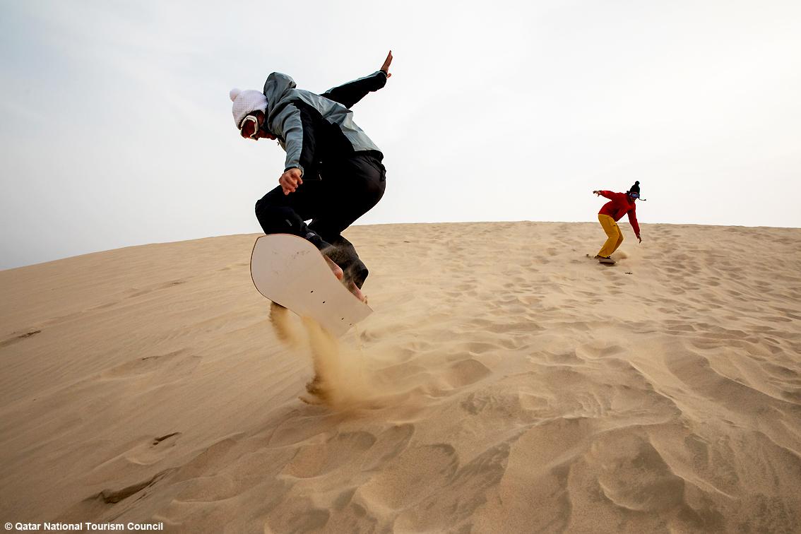 http://www.turismoitalianews.it/images/stories/qatar/Qatar_Snowboarder02.jpg