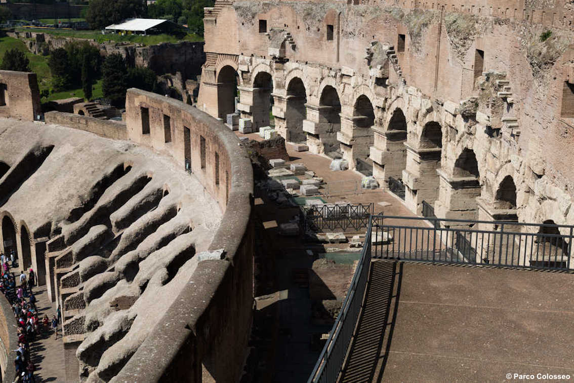 images/stories/roma/Colosseo08_visione_da_ultimi_livelli.jpg