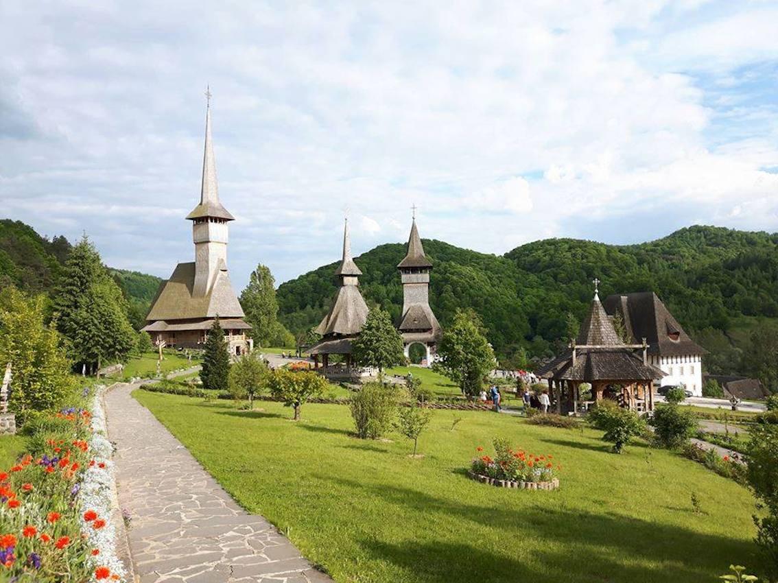 Case In Legno Romania : Romania tra i carpazi le chiese in legno che stupiscono il mondo