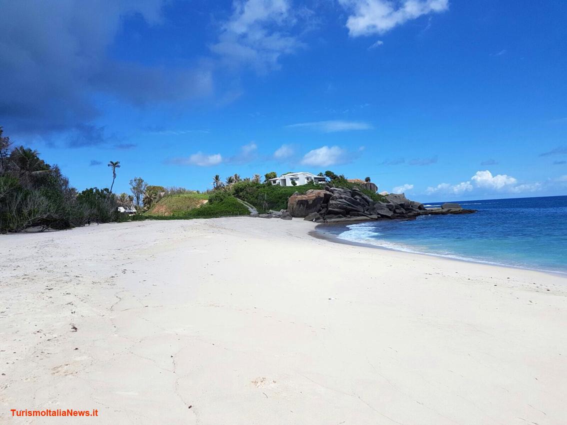 http://www.turismoitalianews.it/images/stories/seychelles/SeychellesSpiagge02PhAnnarosaToso.JPG