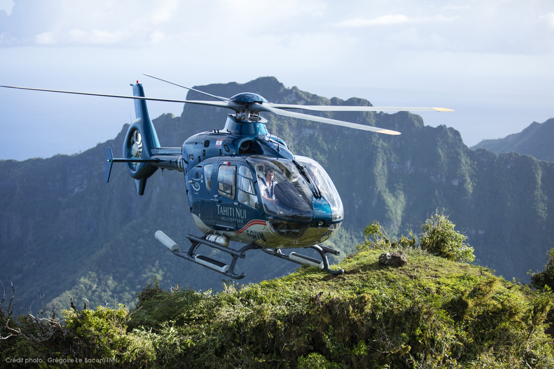 © Grégoire Le Bacon / Tahiti Nui Helicopters