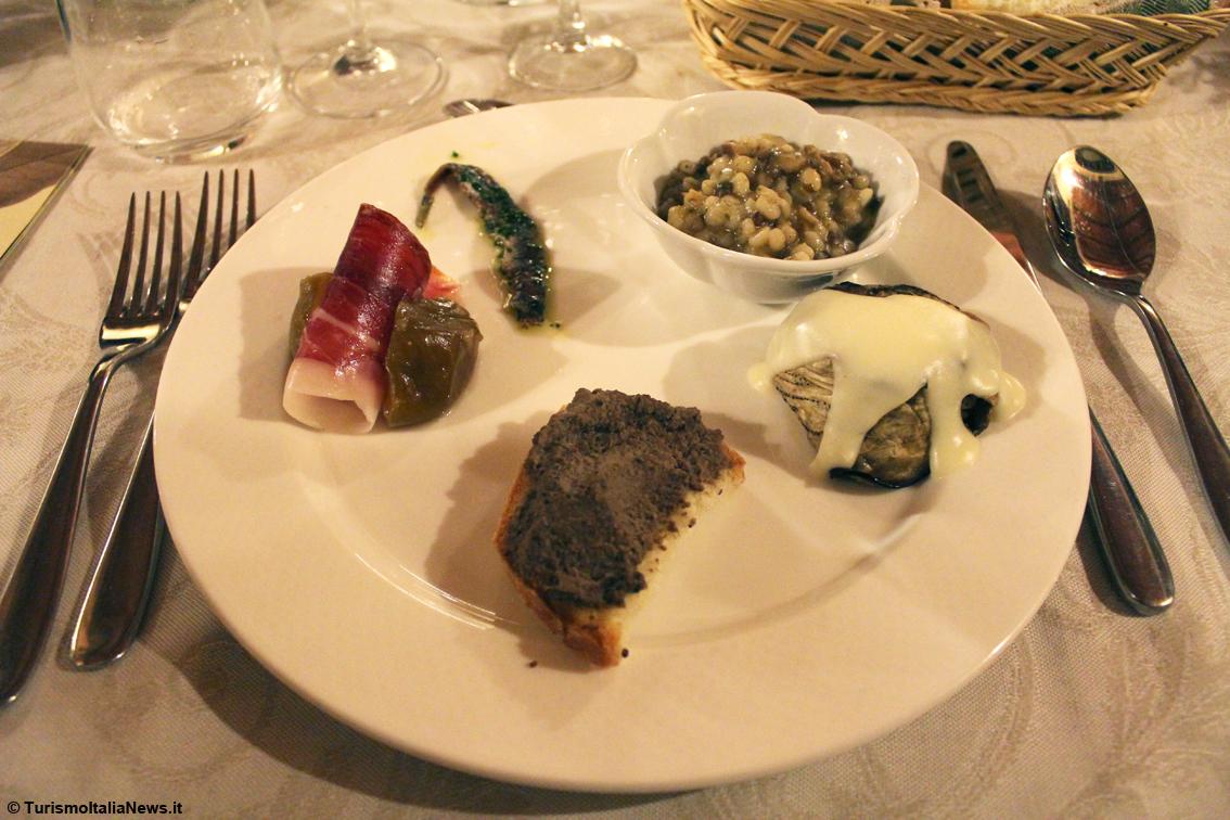 http://www.turismoitalianews.it/images/stories/toscana_ristoranti/TavernaPianDelleMura2dim1134x756.jpg