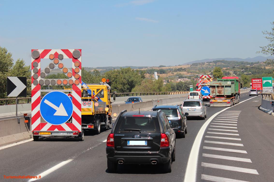 http://www.turismoitalianews.it/images/stories/trasporti/Autostrada13.jpg