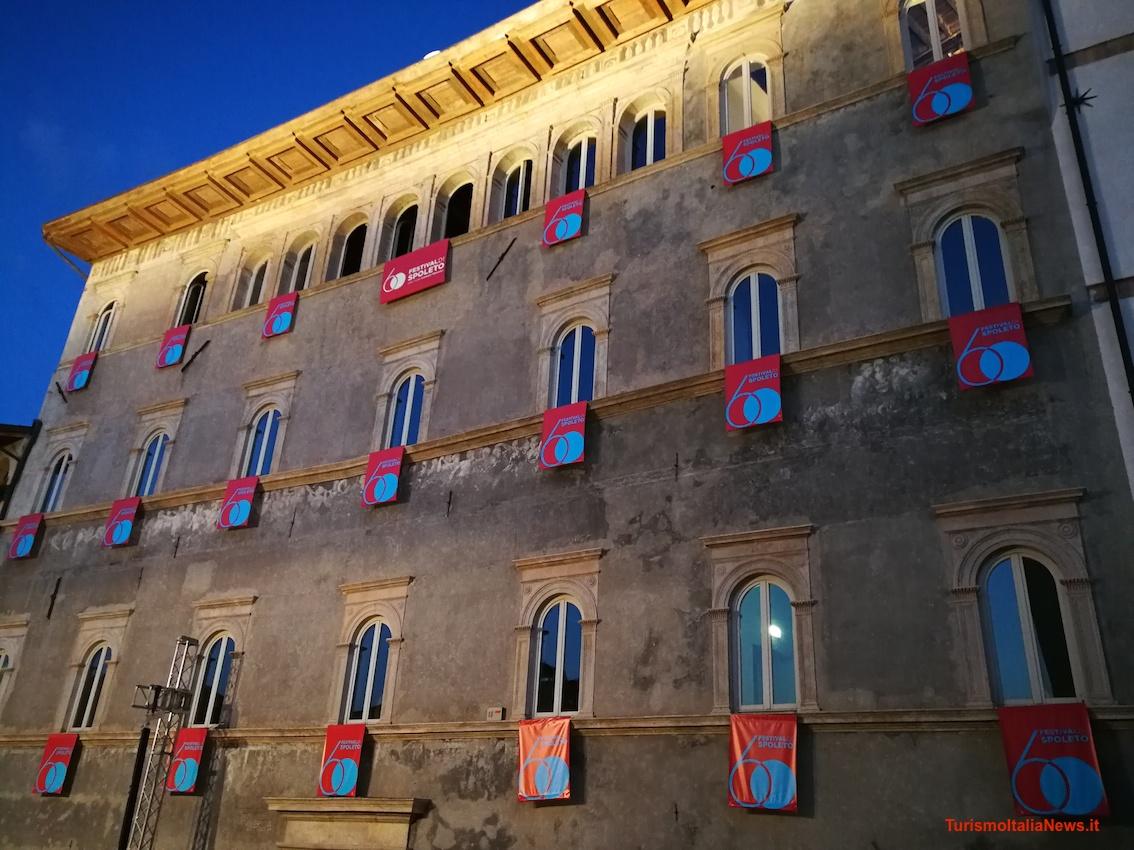 http://www.turismoitalianews.it/images/stories/umbria_Spoleto/Spoleto_Festival02.jpg