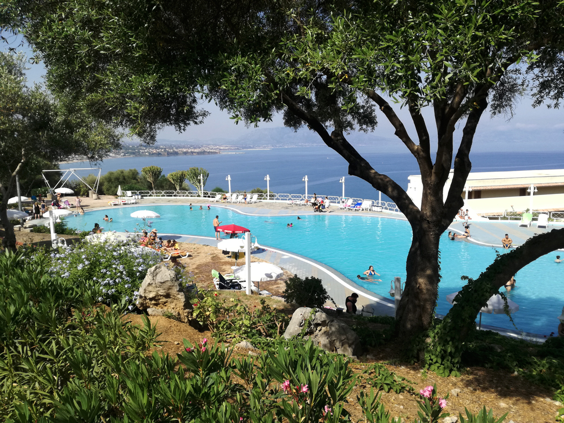 http://www.turismoitalianews.it/images/stories/varie_2020/Cds_Terrasini01.jpg