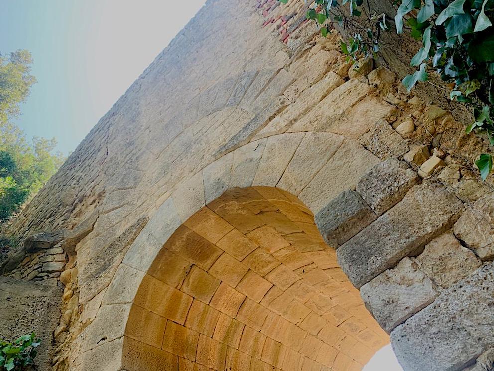 http://www.turismoitalianews.it/images/stories/varie_2020/Velia_PortaRosa01.jpg