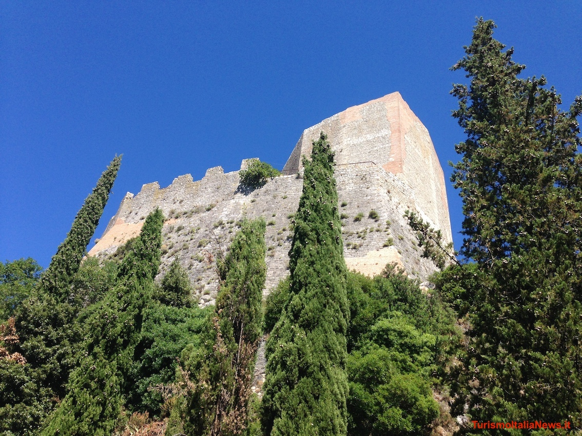 https://www.turismoitalianews.it/images/stories/castelli_Italia/RoccaDOrcia02.JPG