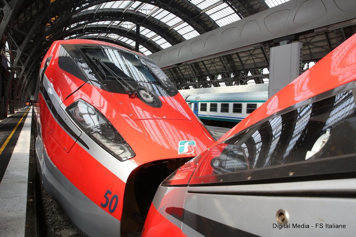 images/stories/ferrovie/Frecciarossa100DoppiaComposizine01.JPG