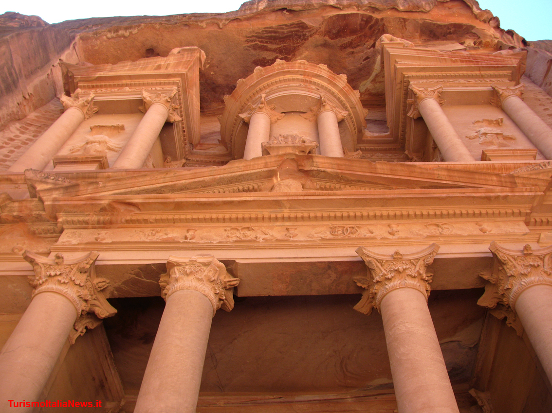 https://www.turismoitalianews.it/images/stories/giordania/Petra8.jpg