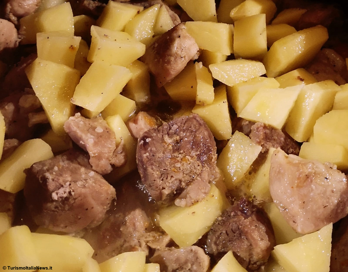 images/stories/ricette_laura/Stufato_maiale_con_patate01.jpg