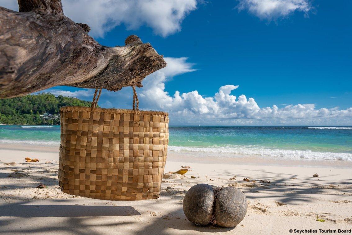 Emirates, da Dubai più voli per Maldive e Seychelles in ...