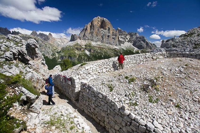 Montagna vacanze sulla neve gli italiani riscoprono le for Vacanze nord italia montagna